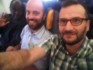 dentro del avión que nos lleva a Taipei
