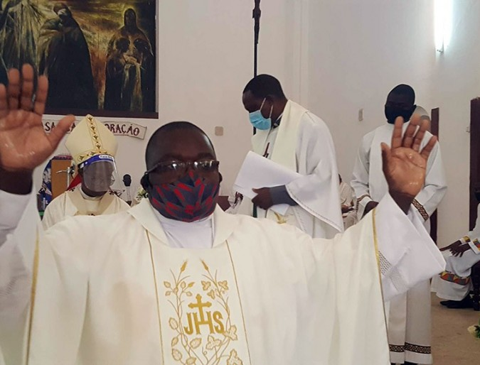 Archbishop of Nampula defends that the Priest must be a person of God