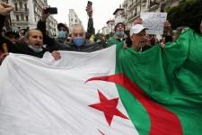 Algeria: ancora un venerdì di protesta di Hirak